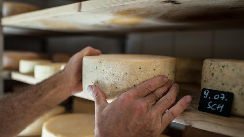 formaggio artigianale nel hotel La Casies in Val Casies