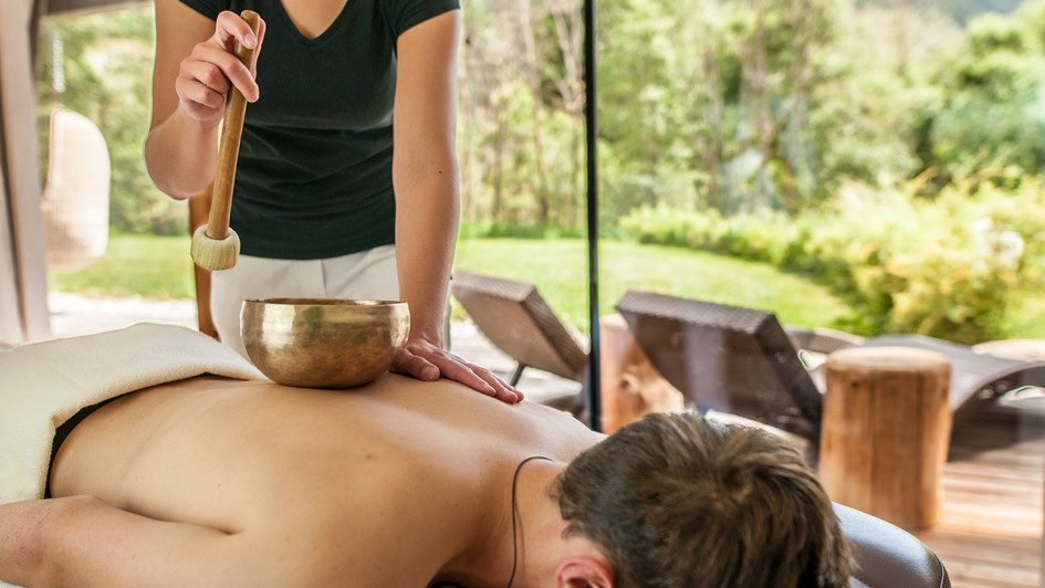 Tiefenentspannung und Massagen im Naturhotel im Pustertal